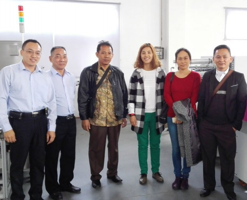 群昌经济型包装机印尼客户来访合影